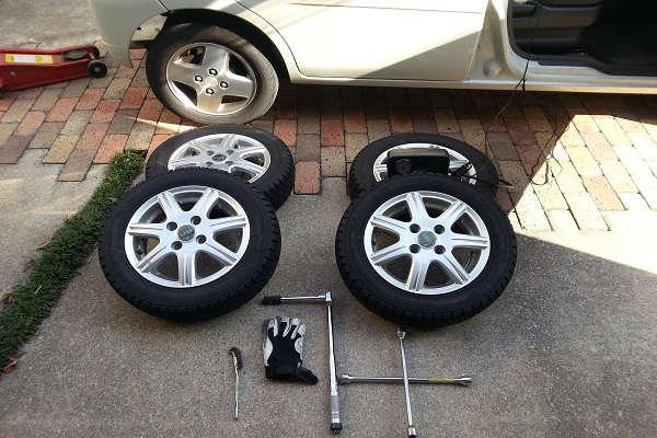 夏タイヤを冬タイヤ(スタッドレス)に交換するときに必要な工具